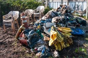 lixo encontrado nas trilhas durante PRAD no Grand Hyatt, realizado pela Biovert